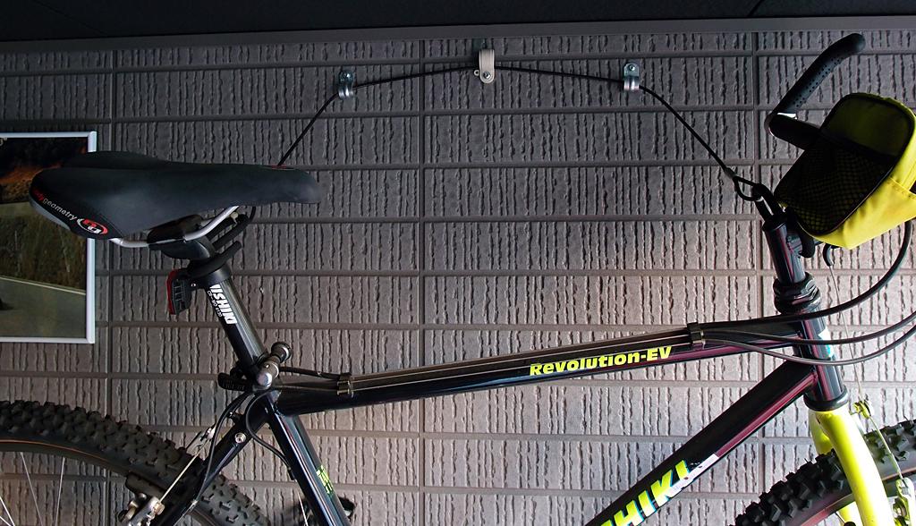 ワイヤー バイク 壁面収納