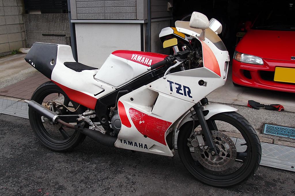 ヤマハTZR125入手時のカラーリング