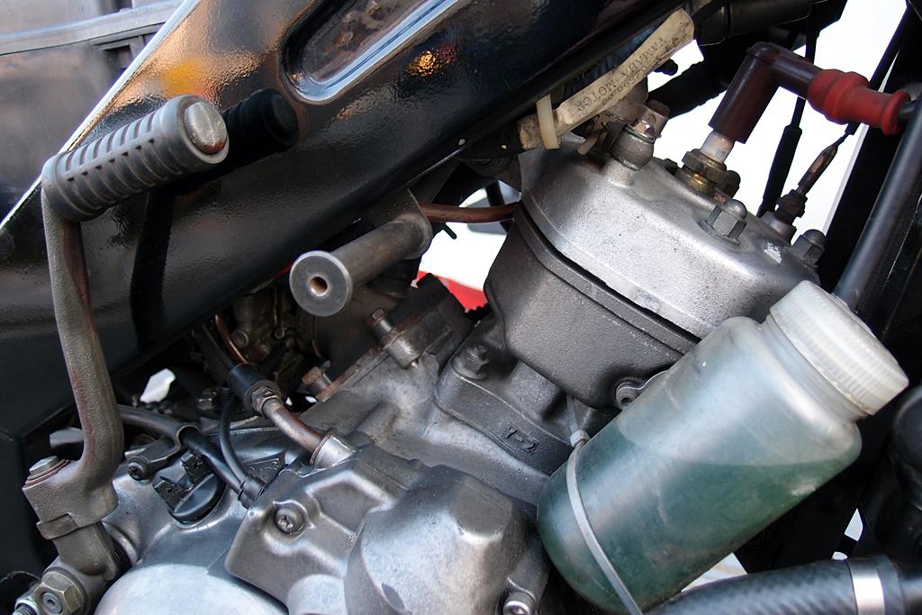 TZR125エンジン
