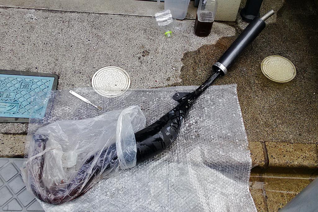 サンダーGray希釈液を利用したOXレーシング製チャンバーのサビ落とし