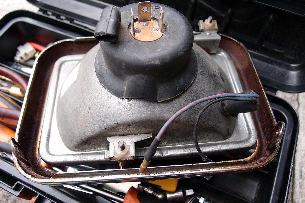 H4対応ヘッドライトに変更