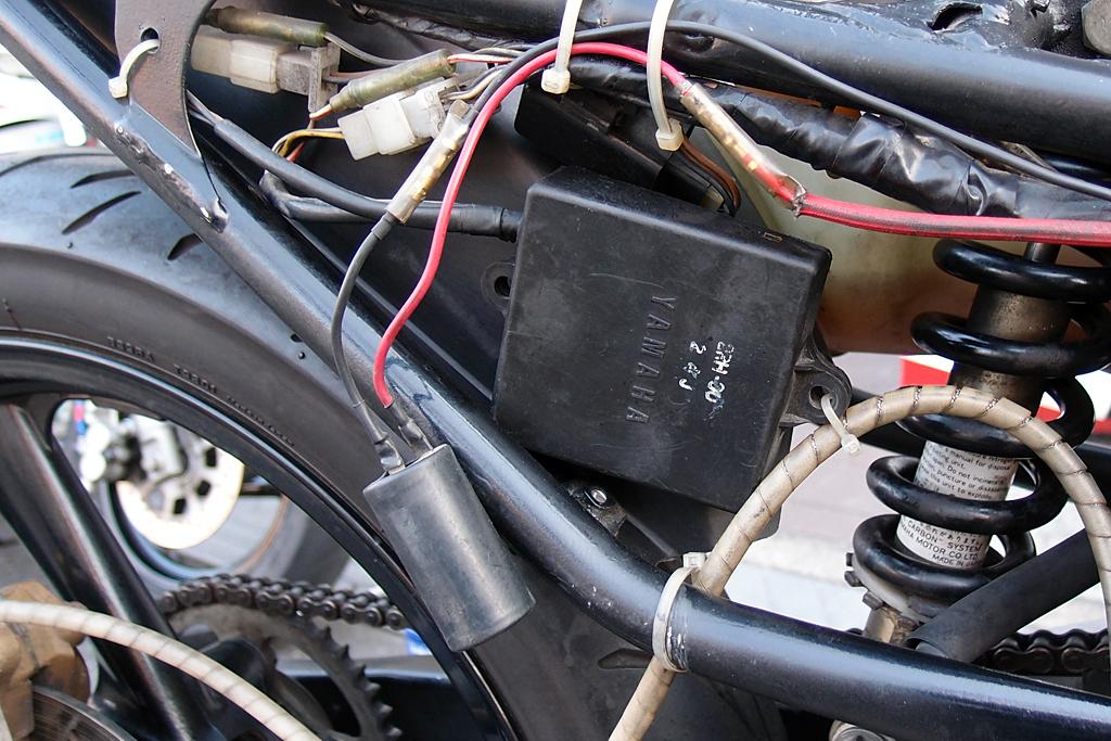 CDIユニットと電解コンデンサー