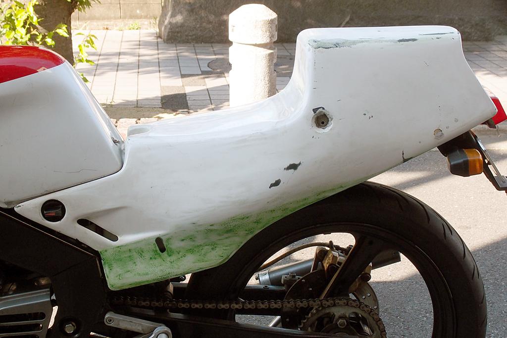 OXレーシングシートカウルの補修左面