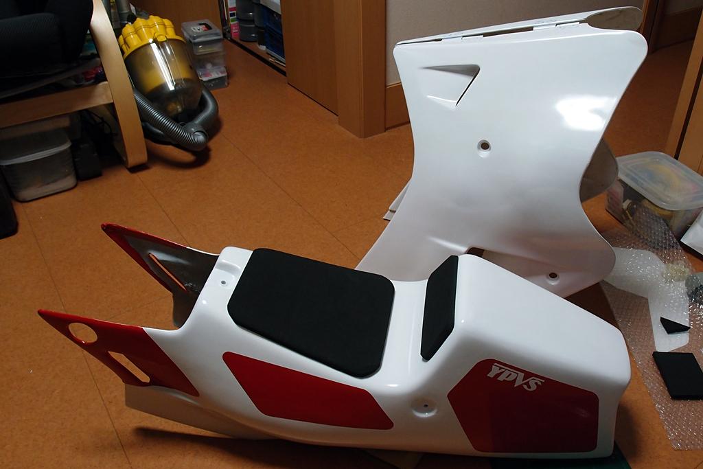 TZR250R(3MA)風カッティングシートシートカウル