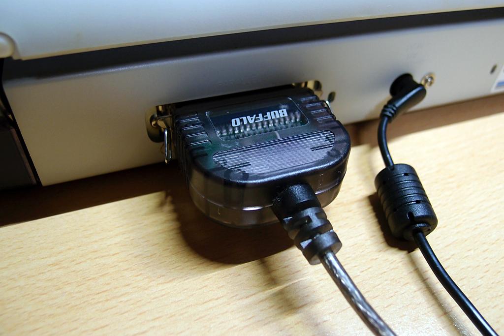 パラレルインターフェースにバッファロー製変換ケーブル
