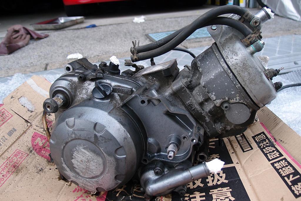 落札した中古2RMエンジンはオイルポンプレス