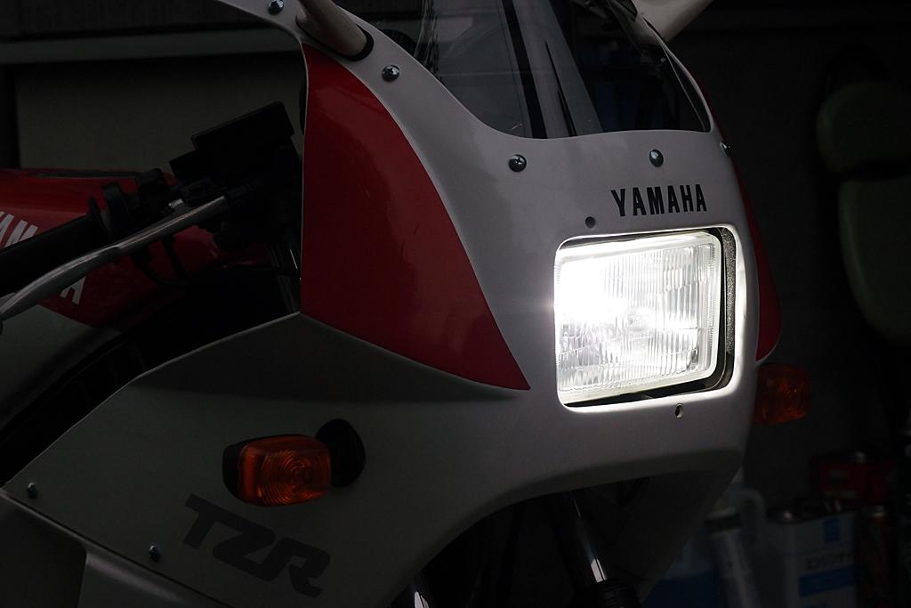 TZR125に搭載したLEDバルブを点灯