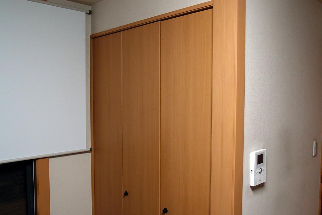 棚板スペース利用の情報分電盤