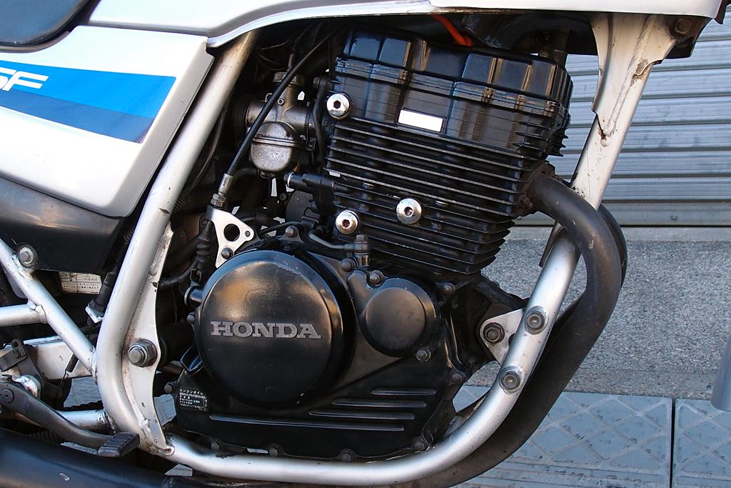 125ccのDOHCは当時世界最小排気量