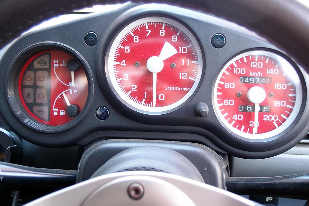 社外製メーターは200km/hスケール