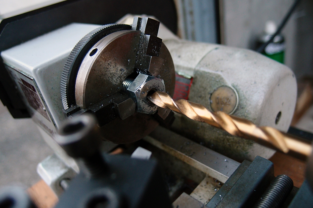 バックミラー取り付け用ステーをボルトで製作