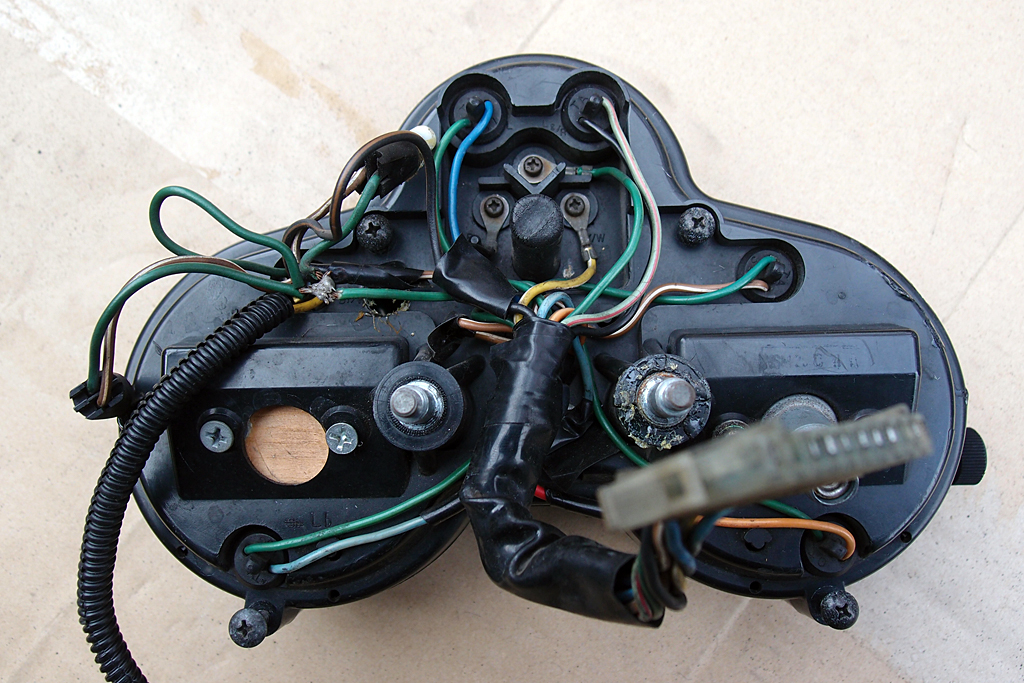 CBX125Fのメーターパネルの配線