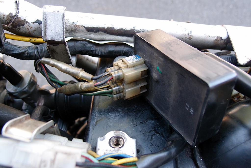 CDIユニットの配線にギボシ端子加工