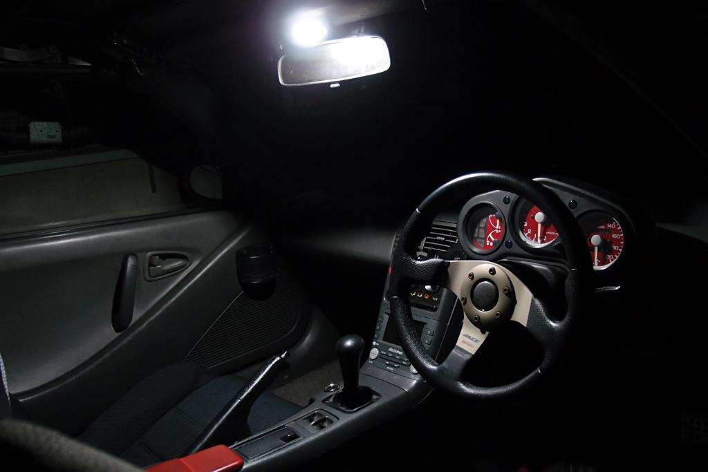 ビートにエーモン製ラゲッジルーム用LED導入
