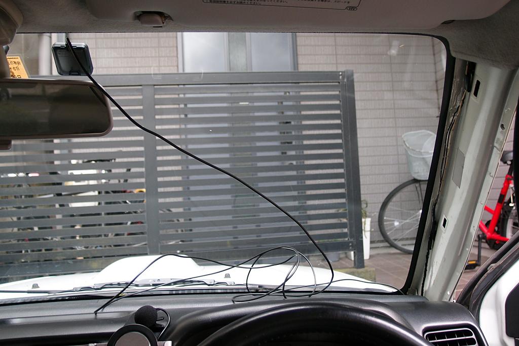FNK-M100BVのETC用アンテナはフロントウィンドウに