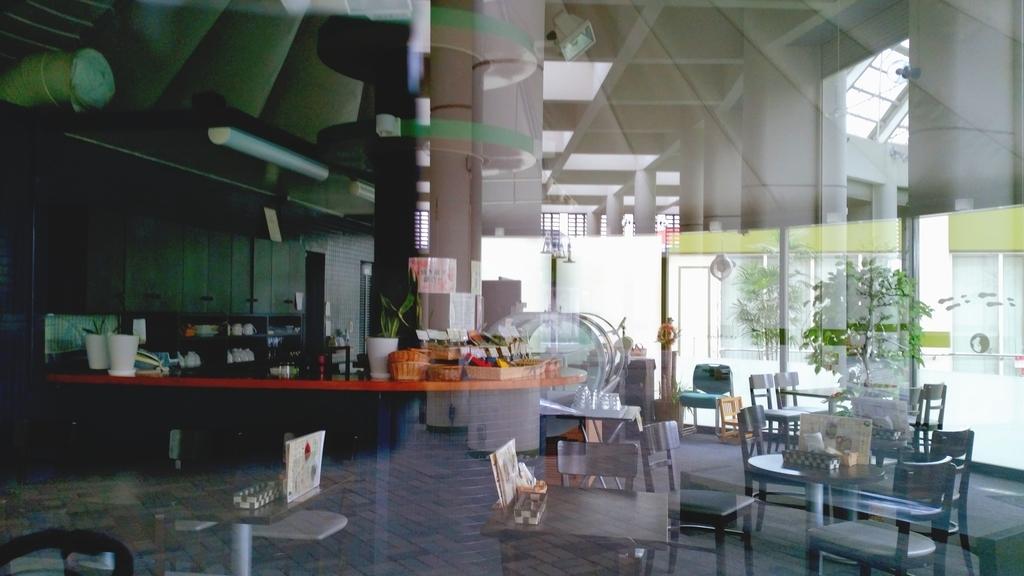 お茶の実の雪うさぎ工房喫茶店店内