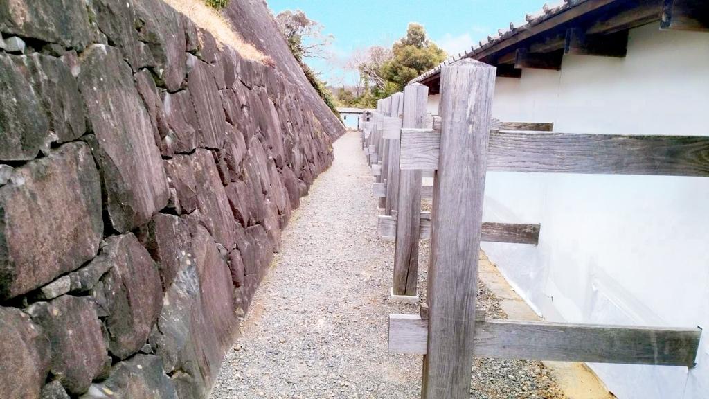 御殿の横道