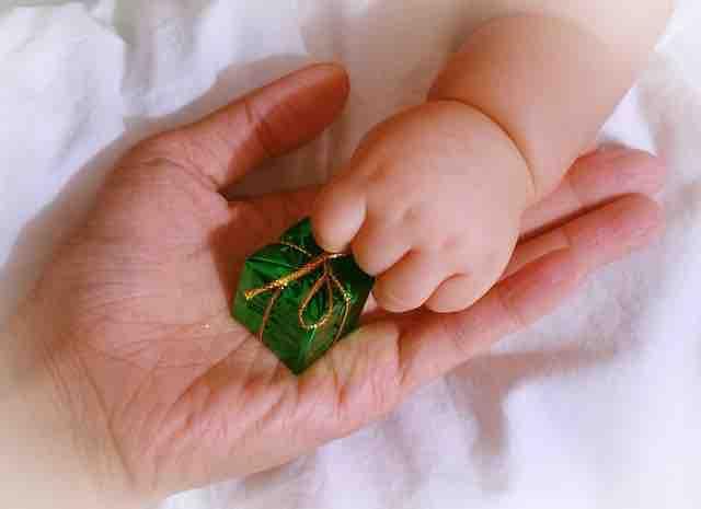 幼児を守る