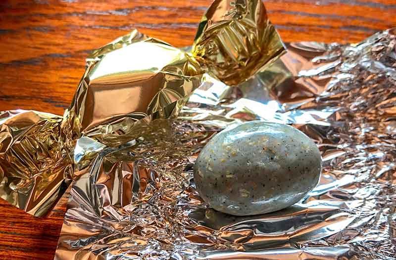 雅叙園・お土産・金ごまアーモンドチョコレート