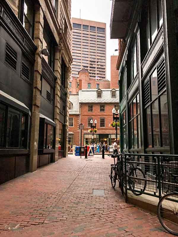 ボストン・フリーダムトレイル・古本屋Commonwealth Books