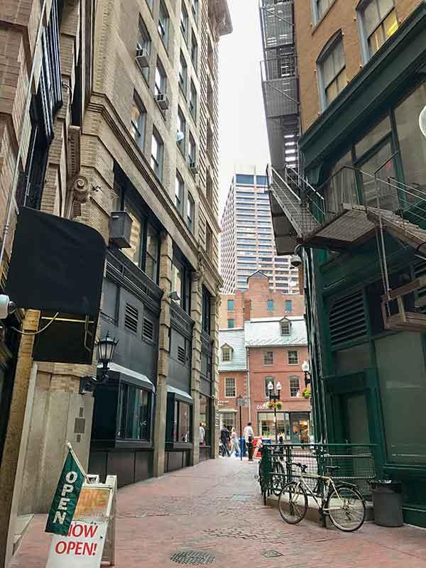 ボストン・フリーダムトレイル・古本屋