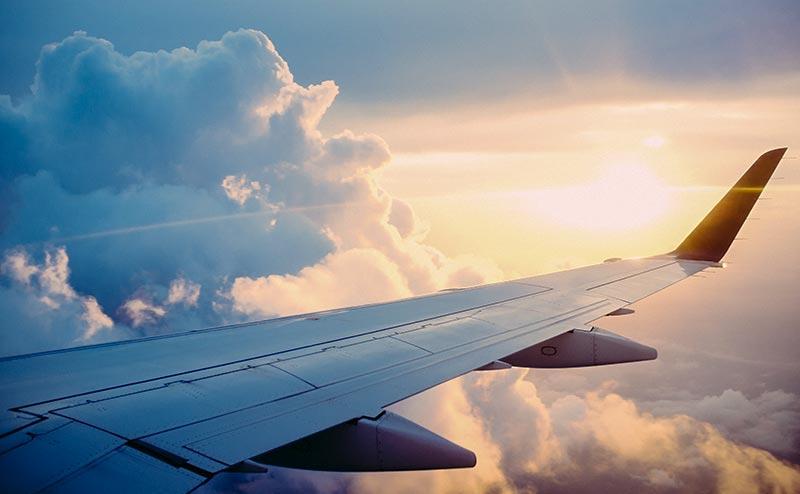 海外旅行・飛行機とホテルの手配