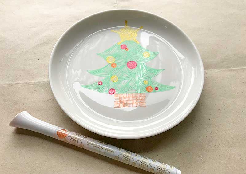 Decorese(デコレーゼ)を使ってゼンタングル(zentangle)でクリスマスプレート