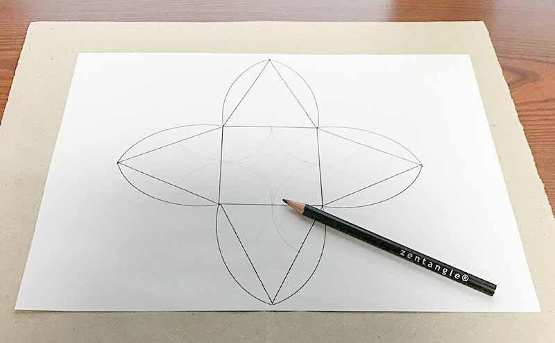 ゼンタングル(zentangle)ピラミッド型ギフトボックス
