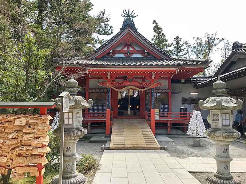 合格祈願で有名な金沢(金澤)神社