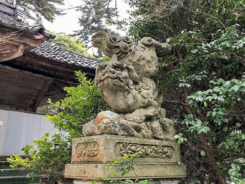小坂神社の逆さ狛犬