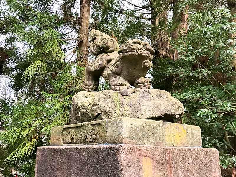 椿原天満宮の逆さ狛犬