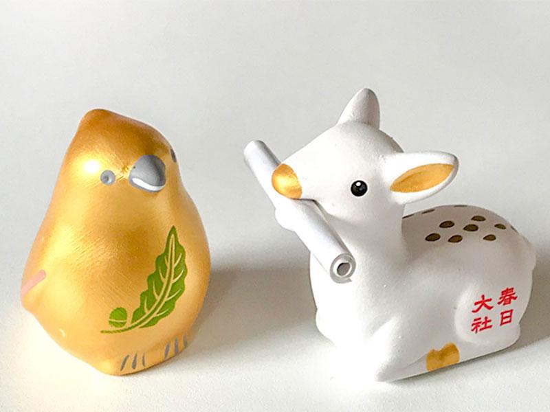 奈良・橿原神宮「金鵄おみくじ」と春日大社の白鹿みくじ