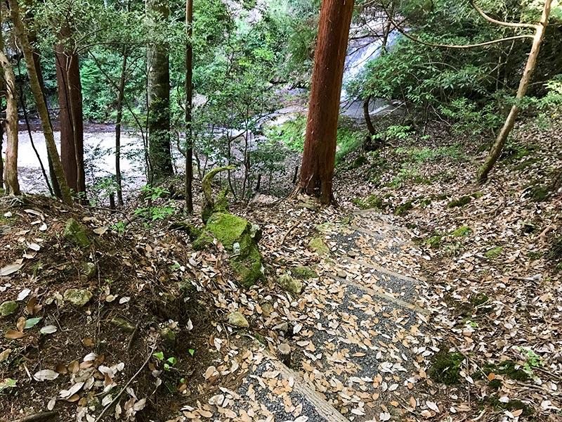 奈良・室生龍穴神社の龍穴
