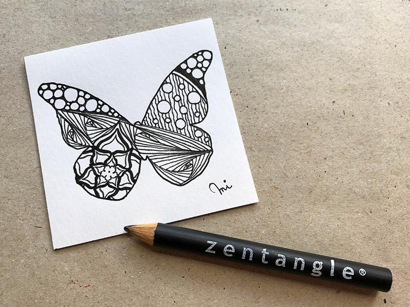 蝶々とゼンタングル(zentangle)
