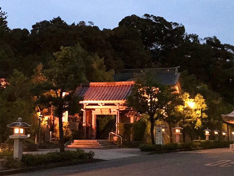 山代温泉ライトアップ薬王院温泉寺
