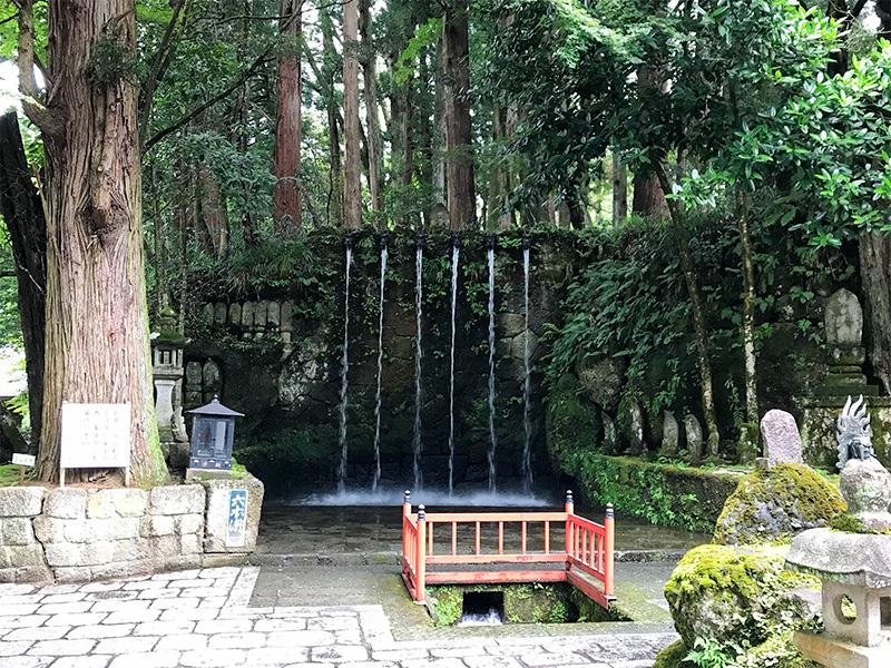 大岩山日石寺六本滝