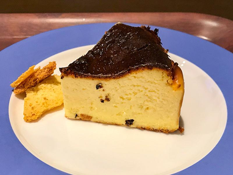 ガリバーカフェ (Garibar café) バスクチーズケーキ