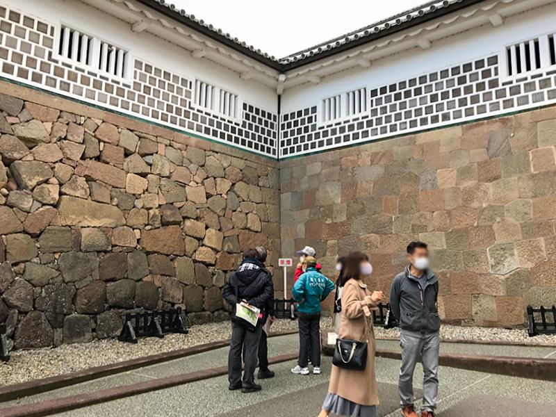 金沢城公園・石川門(重要文化財)