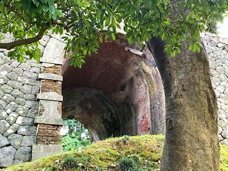 金沢城旧陸軍レンガ造りのトンネル