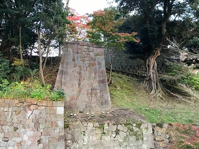 金沢城玉泉院丸庭園紅葉橋跡石垣