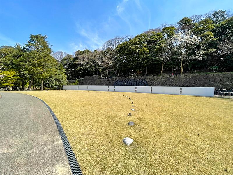金沢城丸の内園地
