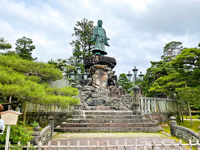 兼六園(明治紀念之標・日本武尊像)