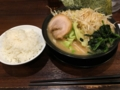 10161218 川崎 ラーメン徳にて醤油とんこつラーメン、キャベもやトッピ