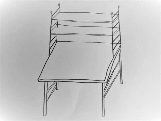 白い机のイラスト