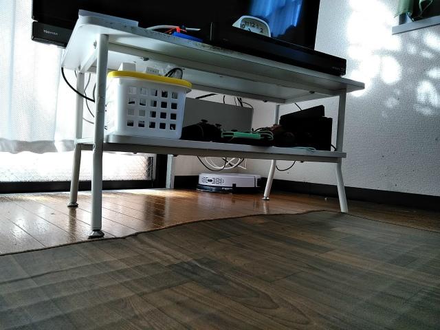 テレビ台の下 お掃除ロボットTake-One X2