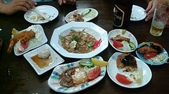 200900724-03金沢「いろは食堂」シロの味噌煮+ミニおつまみたち2