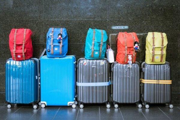 香港マカオ フェリー スーツケース