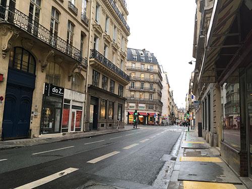 クラシック雰囲気で揃えられたパリの街並み