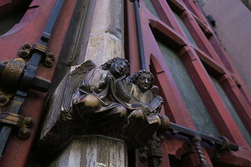 サントシャペルの柱の彫刻