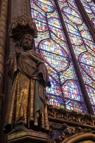 サント・シャペルの聖人の像